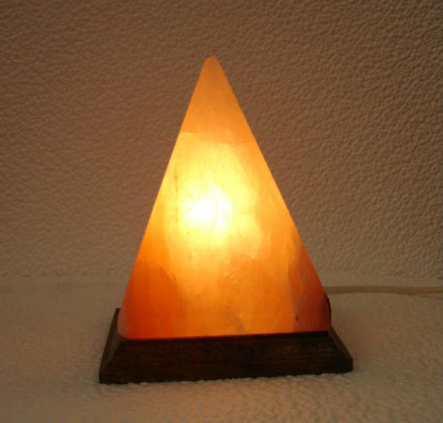 lampada-sale-rosa-piremide